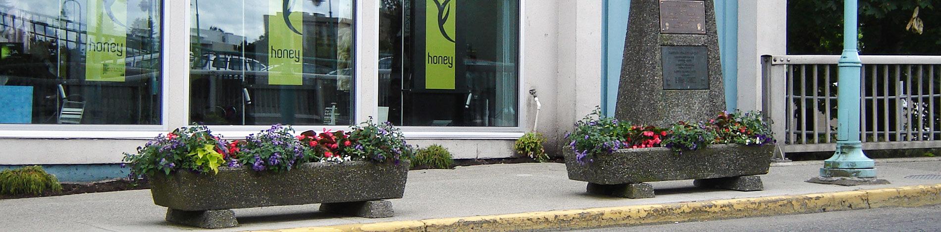 home-slide-planters