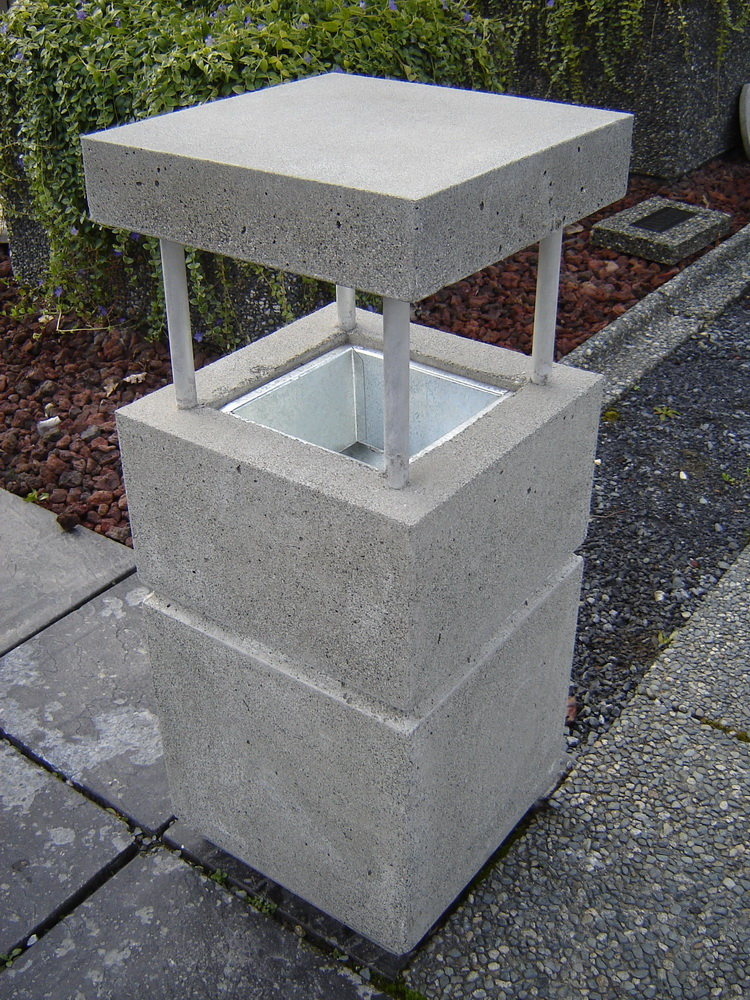 Standard Ash Stand With Roof In Finishes Mackay Precast